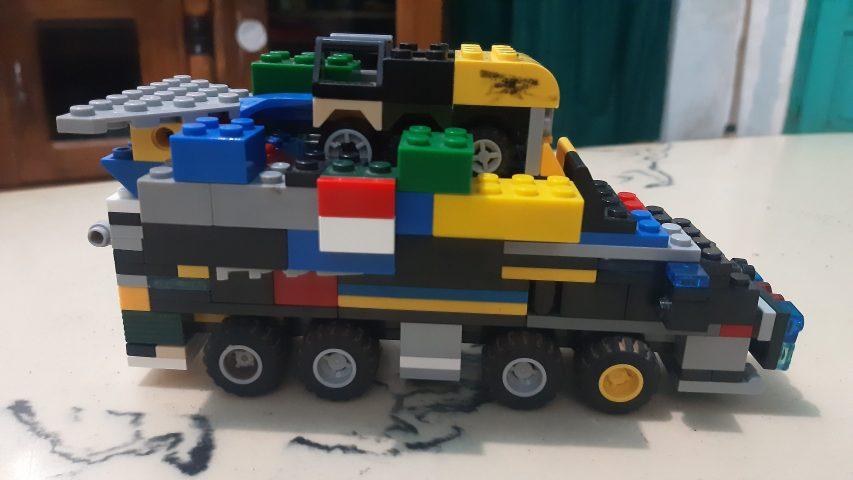 Bermain Lego